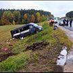Маршрутка вылетела на встречку и врезалась в легковой Renault на дороге под Ошмянами