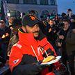 Тимати в Минске раздавал бесплатные бургеры на открытии ресторана в Dana Mall – видео