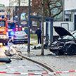 Автомобиль протаранил остановку в Германии, есть жертва