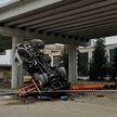 Со строящегося путепровода в Бресте упал автокран
