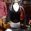 Кожаную куртку и брюки из фильма с Траволтой продали на аукционе за $400 тысяч