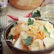 Капуста по рецепту мамы – хрустящая и пряная! Изумительно с картошкой и просто так!