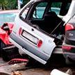 Водитель протаранил автомобильную стоянку в Борисове