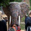 Впечатляет: гигантского слона построили из 29 тысяч батареек (ФОТО)