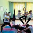 Познать мудрость йоги: в посольстве Индии показали необычное выступление