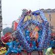 Улицы европейских городов заполнили персонажи сказочных мифов