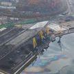 Площадь нефтяного пятна в Приморском крае России составляет уже 35 тысяч квадратных метров