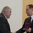 Роман Головченко вручил государственные награды