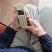 Телефонную линию для поддержки одиноких пожилых людей запускает Красный Крест