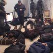 17 человек в масках пытались захватить квартиру в Киеве