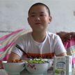 Мальчик набрал 14 килограммов ради спасения отца