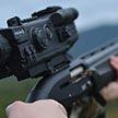 Охотник подстрелил бегуна, перепутав его с косулей (Видео)