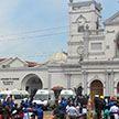 Шесть взрывов произошли в отелях и церквях на Шри-Ланке, десятки погибших