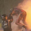 Автогонщик «Формулы-1» Роман Грожан во время гонки на огромной скорости врезался в отбойник
