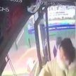 Взрыв в автобусе в Китае: 16 человек пострадали