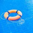 9-летняя девочка спасла тонущего ребёнка, который пролежал на дне бассейна около 3 минут (ВИДЕО)