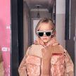 7-летняя модница копирует образы Айлиш, Дженнер, Лопес и других звезд — и у нее в Instagram 200 тысяч фолловеров