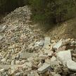 Бывшие меловые карьеры в Гродно стали превращаться в свалку строительного мусора