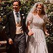 Свадебные фото принцессы Беатрис попали в Сеть: невеста надела старое бабушкино платье