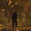 Антиправительственные протесты прошли в Нидерландах и Тунисе