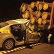ДТП с участием такси и лесовоза на МКАД: водитель легковушки погиб