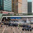 В Гонконге из-за протестов перестал ходить общественный транспорт, закрылись школы и университеты