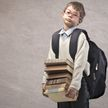Дети затравили сверстника за любовь книгам, а он стал звездой Сети
