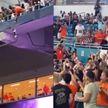 Драма на матче в США: кот сорвался с балкона. Переживали всем стадионом!