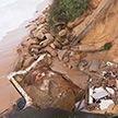 Огромные волны обрушились на восточное побережье Австралии