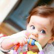 7 самых опасных вещей, которыми может подавиться ребёнок