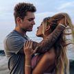 Белые розы и публичный поцелуй: Рита Дакота и Влад Соколовский вместе?