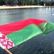 На мирных митингах под государственным флагом Беларуси свою гражданскую позицию за две недели выразили несколько миллионов человек