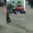 Водитель легкового автомобиля умышленно въехал в толпу людей в китайской провинции Хубэй: шесть человек погибли на месте