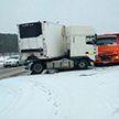 ДТП на МКАД-2: грузовик столкнулся с легковым автомобилем. Погибли двое пассажиров