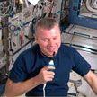 Александр Лукашенко поздравил космонавта Новицкого с юбилеем