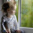 Трехлетняя девочка выжила после падения с 17-го этажа жилого дома в Подмосковье