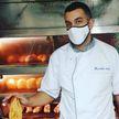 Хитрый способ вернуть клиентов во время локдауна нашел владелец пекарни в Париже