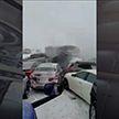 Около 50 автомобилей столкнулись в США: один человек погиб