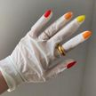 Как носить виниловые перчатки и при этом оставаться стильной. Тренд этой весны!
