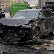 В Москве внедорожник вылетел на тротуар и сбил пешеходов
