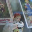 Сказочная выставка «Братья Гримм» открылась в Минске: что связывает классиков с Беларусью?
