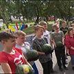 Пять тонн арбузов с президентского участка доставили в Минский дом-интернат для престарелых и инвалидов