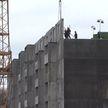 100 новых квартир для многодетных семей построят в Калинковичском районе