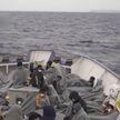 Более тысячи беженцев приплыли к берегам Италии. Власти отказываются пускать их в страну