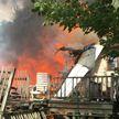 Самолет упал на жилой дом в США