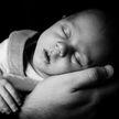 900 младенцев заражены ВИЧ из-за педиатра, который использовал шприцы повторно