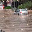 Наводнение в турецком Бодруме: машины засасывает в водовороты, улицы превратились в реки