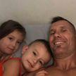 Экс-регбист заживо сгорел в машине вместе со своими маленькими детьми