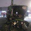 Водитель автобуса плохо себя чувствовал, высадил пассажиров и врезался в столб
