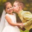 Больная 5-летняя девочка «вышла замуж» за своего друга перед операцией на сердце